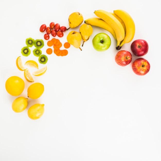 Composição de frutas Foto gratuita
