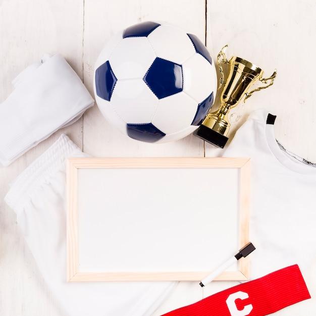 Composição de futebol com close-up do quadro Foto gratuita