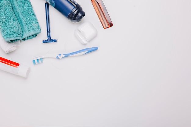 Composição de higiene com espaço no fundo Foto gratuita