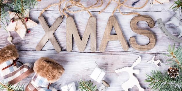 Composição de natal com letras xmas Foto Premium