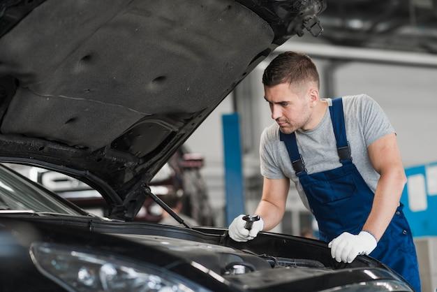 Composição de negócios de reparação de automóveis Foto gratuita