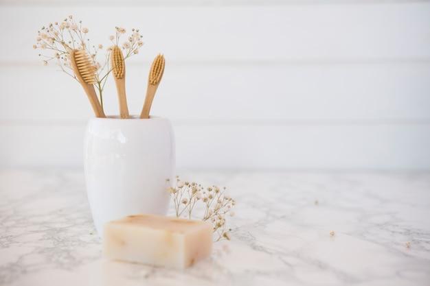 Composição de objetos de casa de banho ou spa Foto gratuita