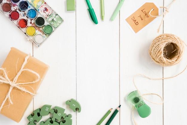 Composição de objetos diferentes para o dia dos pais Foto gratuita