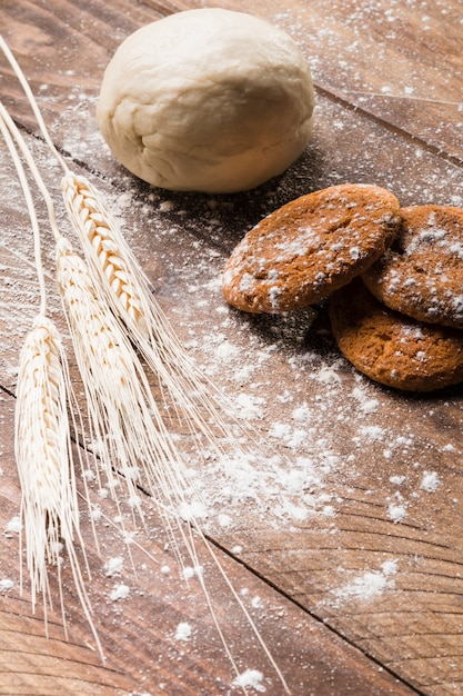Composição de padaria com massa Foto gratuita