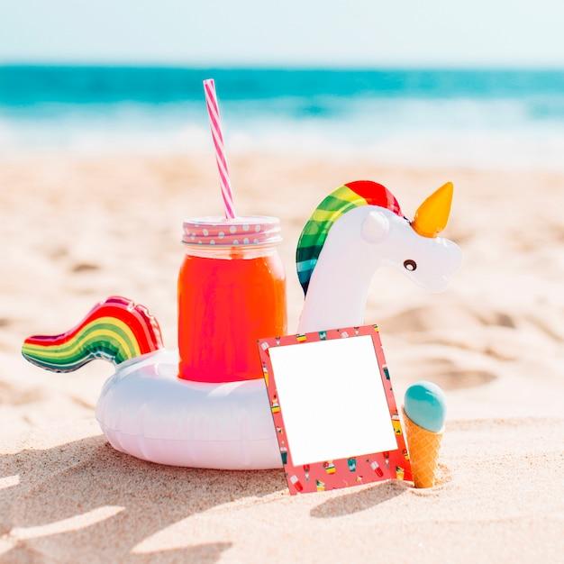 Composição de verão para maquete Foto gratuita