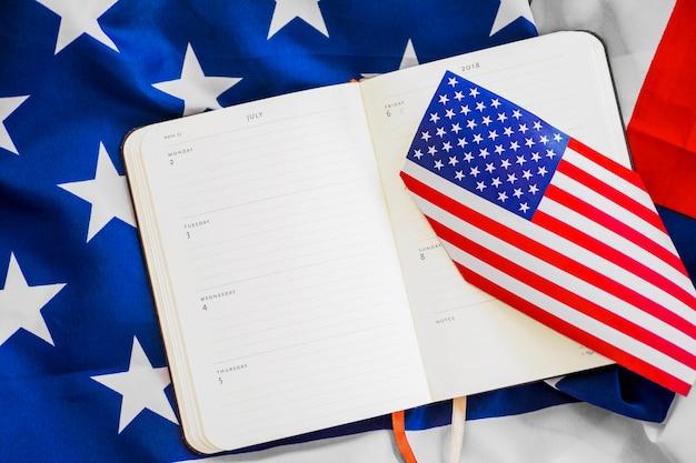 Composição do dia da independência com planejador semanal Foto gratuita