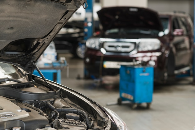 Composição mecânica moderna de automóveis Foto gratuita