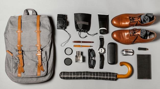 Composição plana de diferentes elementos de viagem Foto Premium
