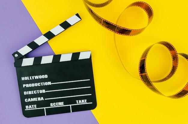 Composição plana leiga de elementos de cinema Foto gratuita