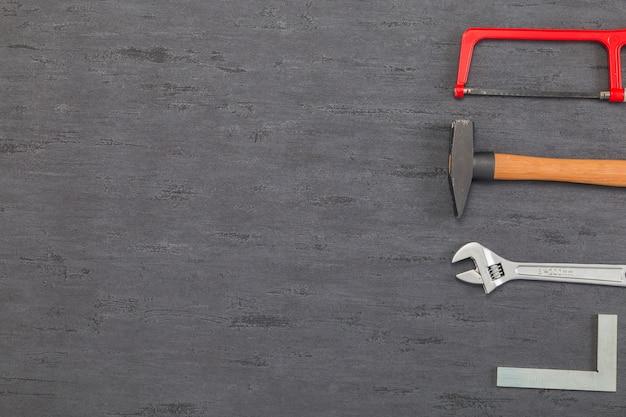 Composição plana leiga de ferramentas Foto gratuita