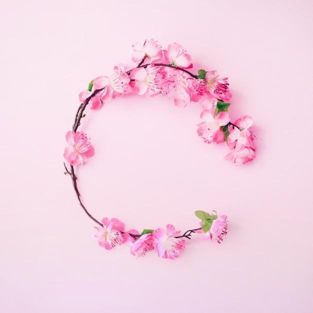 Composição vintage floral com copyspace Foto gratuita