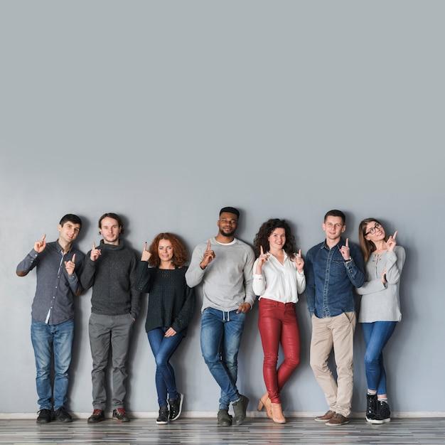 Conceito comunidade, com, grupo pessoas Foto gratuita