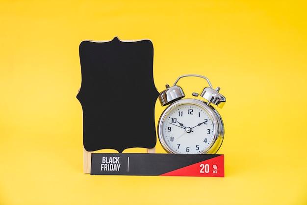 Conceito criativo de vendas de sexta feira negra Foto gratuita