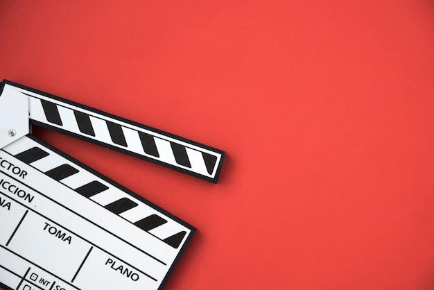 Conceito de cinema com claquete Foto gratuita