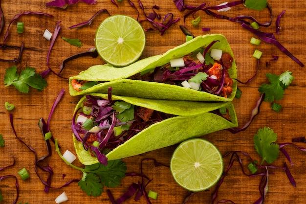 Conceito de comida mexicana acima vista Foto gratuita