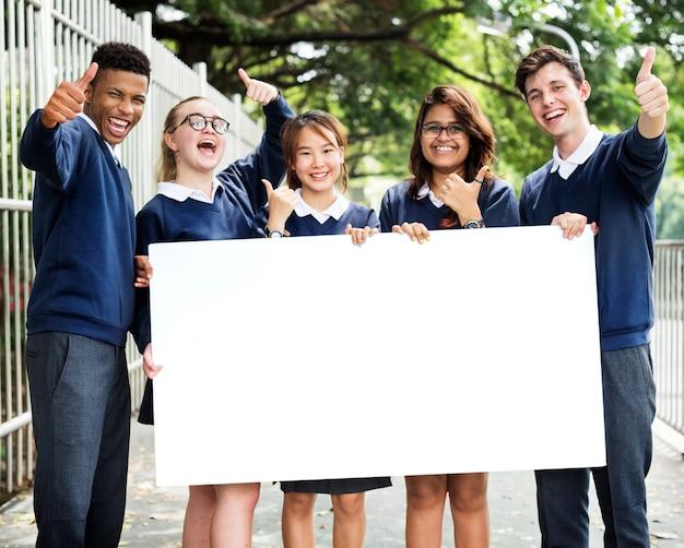 Conceito de conhecimento de pessoas de estudantes de educação Foto Premium