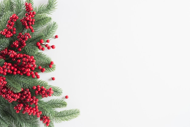 Conceito de decoração de fundo de natal em branco Foto Premium