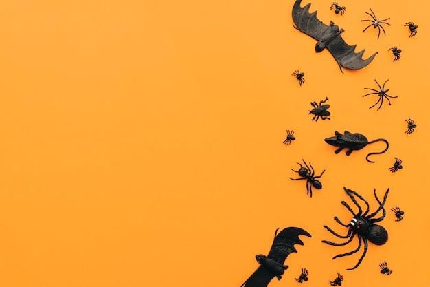 Conceito de halloween com insetos e espaço à esquerda Foto gratuita