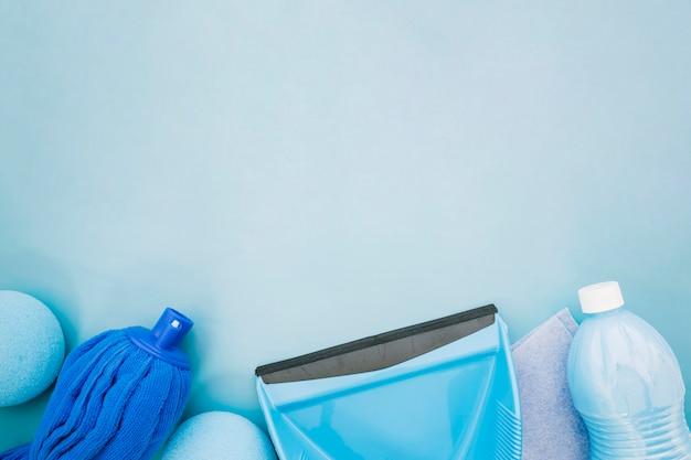 Conceito de limpeza com pia e espaço no topo Foto gratuita