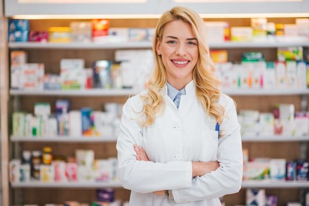 Conceito de medicina, farmacêutica, saúde e pessoas. Foto Premium