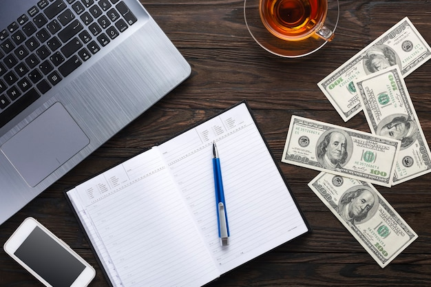 Conceito de negócios. trabalho de escritório, finanças e crédito. bancário. Foto Premium