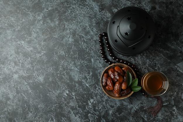 Conceito de ramadã em preto esfumaçado Foto Premium