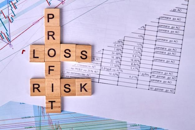 Conceito de risco financeiro em negócios e investimentos Foto Premium