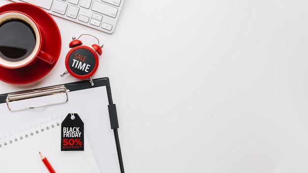 Conceito de venda e relógio com espaço de cópia Foto gratuita