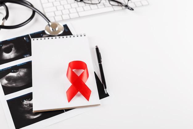 Conceito do dia mundial do câncer Foto Premium