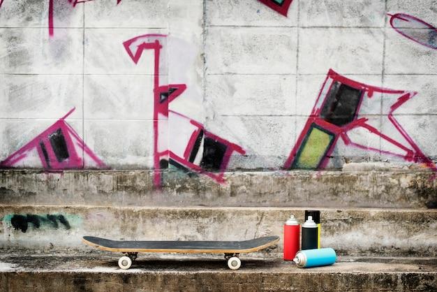 Conceito do moderno do estilo de vida do skate da arte da rua Foto gratuita
