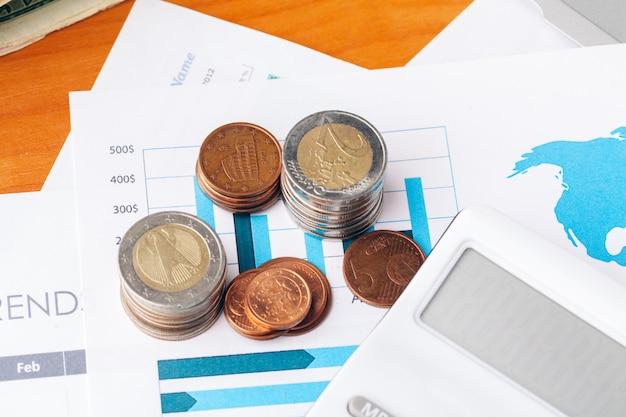 Conceito financeiro, close-up vista do dinheiro em fundo de negócios Foto Premium