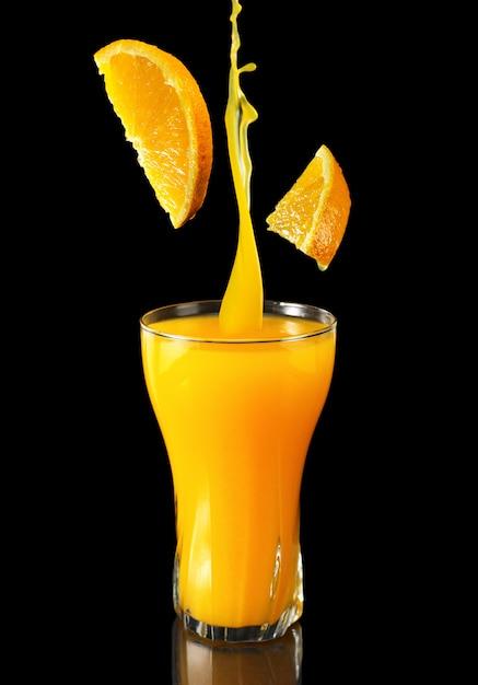 Conceito promocional de suco de laranja para restaurantes e cafés Foto Premium