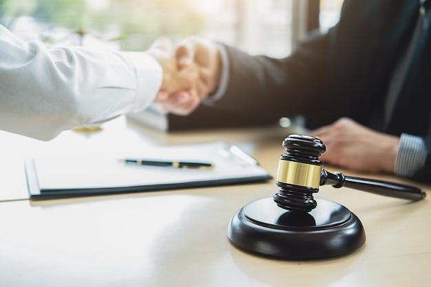 Conceitos de direito e serviços jurídicos Foto Premium