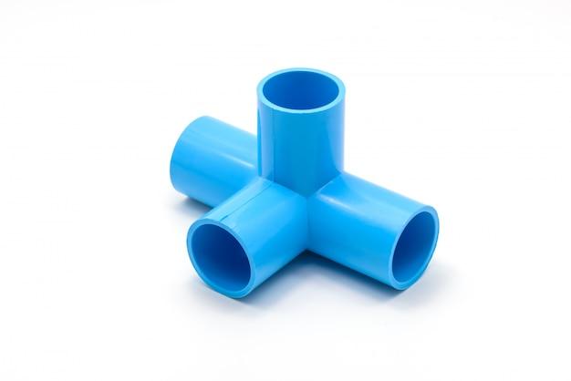 Conexões de tubulação de pvc e clipe de tubulação isolado Foto Premium