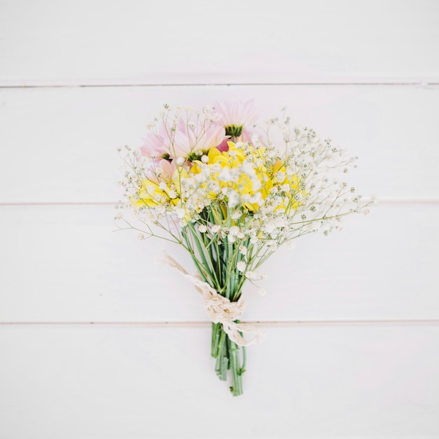 Conjunto composto de flores macias Foto gratuita