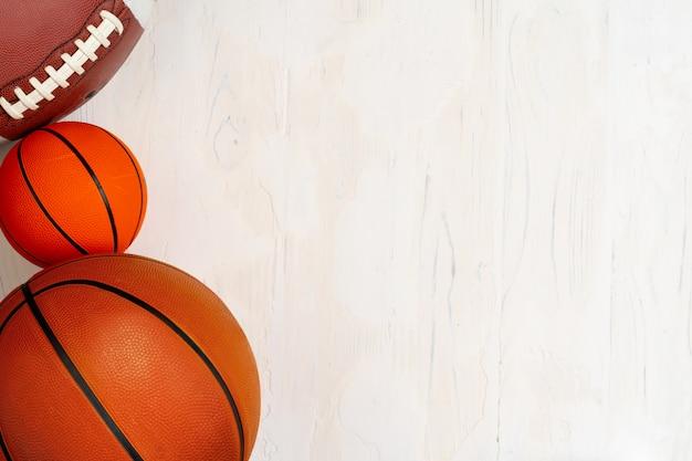 Conjunto de bolas para o fundo de futebol, basquete e rugby Foto Premium