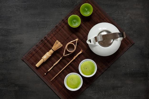 Conjunto de cerimônia de chá verde matcha Foto Premium
