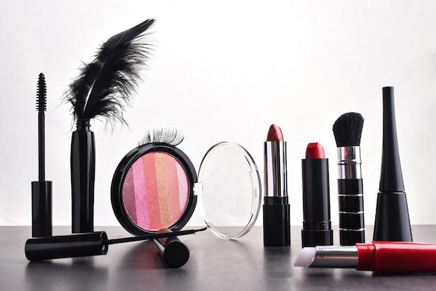 Conjunto de cosméticos decorativos Foto Premium