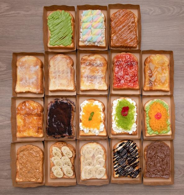 Conjunto de fatias de pão torrado Foto Premium