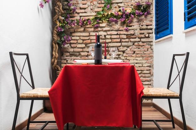 Conjunto de jantar para dia dos namorados Foto gratuita