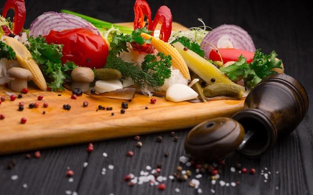 Conjunto de legumes em conserva Foto Premium