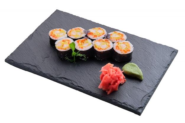 Conjunto de pãezinhos com omelete e camarão isolado Foto Premium
