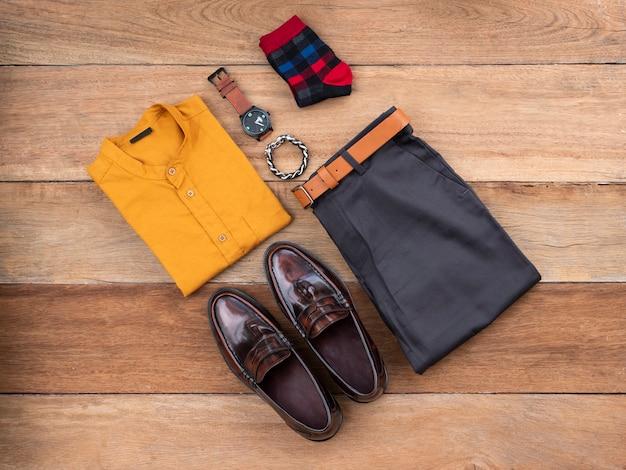 Conjunto de roupas casuais de moda masculina Foto Premium