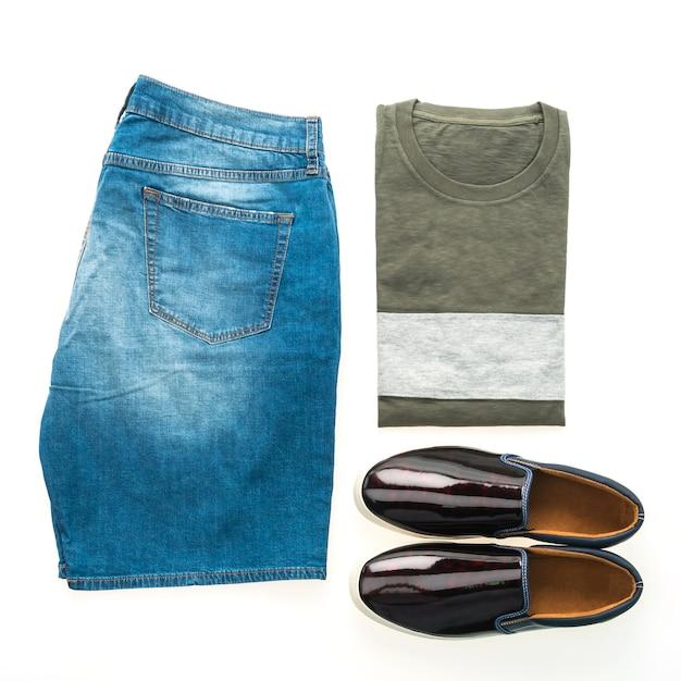 Conjunto de roupas masculinas Foto gratuita