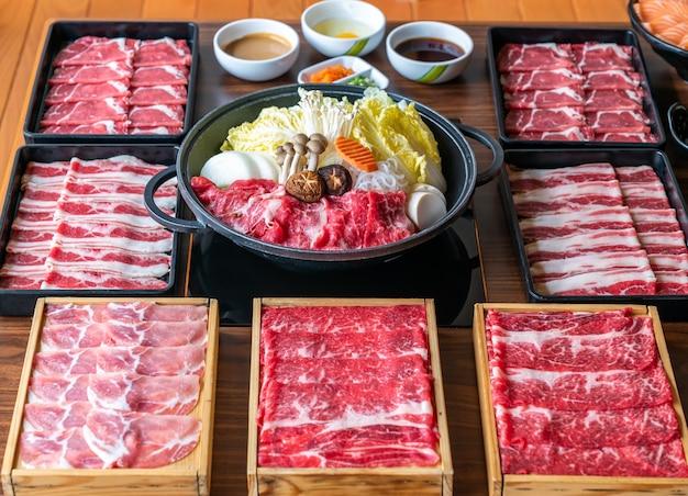 Conjunto de sukiyaki japonês Foto Premium
