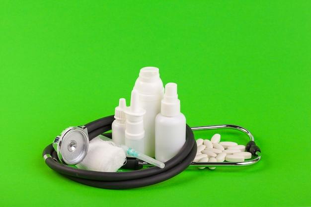 Conjunto de várias garrafas médicas Foto Premium