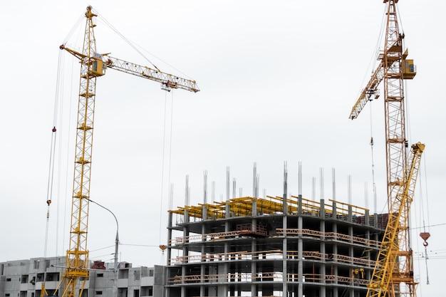 Construção de edifícios em tecnologia monolítica. Foto Premium