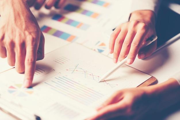 Consulta de empresários. para o sucesso nos negócios Foto Premium