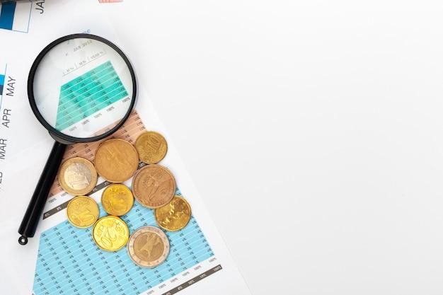 Contabilidade de escritório de negócios contabilidade financeira calcular o fundo Foto Premium
