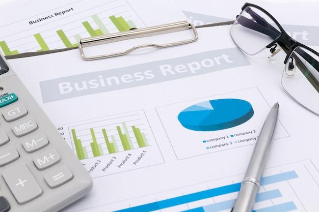 Contabilidade financeira, relatório de negócios Foto Premium